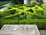 boxwood edged front entrance beds